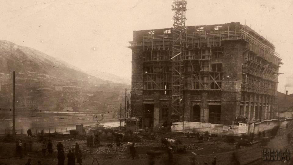 მოდელების სახლის მშენებლობა ვორონცოვზე.