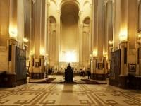 ძუნწ ბატონს – ეკლესიური ბრწყინვალების შესახებ